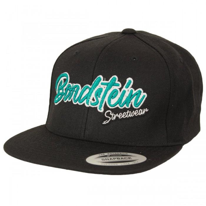 Bordstein Logostick auf klassischer Snapback Kappe.